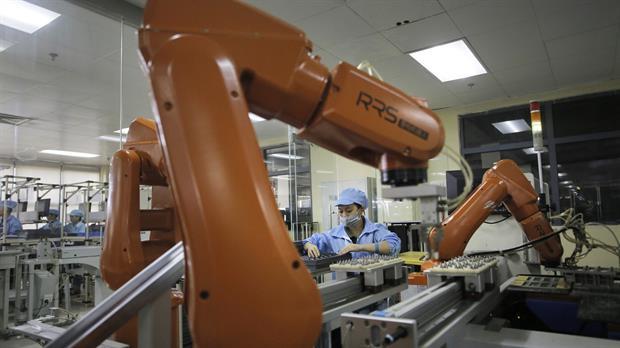 China comenzó a emplear una mayor cantidad de robots para reemplazar a los operarios en las tareas repetitivas o de bajos requisitos técnicos