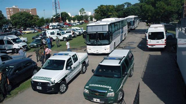 En dos ómnibus, los 25 detenidos fueron trasladados desde Itatí hasta Buenos Aires