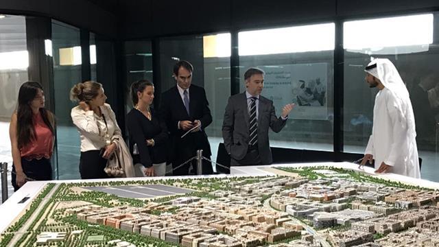 El Director General de investBA, Alejo Rodriguez Cacio, y su comitiva en Masdar City