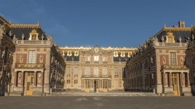 Luis XV tenía un ascensor manual en Versailles
