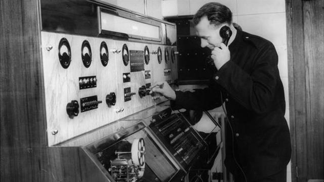La centralita de los bomberos, en 1937; allí atendían las llamadas de emergencia