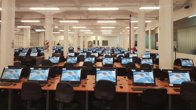 Una de las salas del Correo Argentino donde se procesará la información que llega vía telegrama