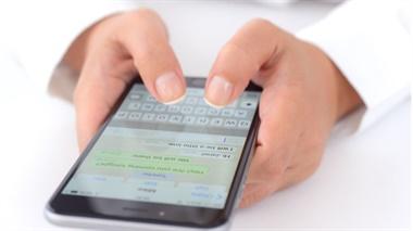 La información queda almacenada en la base de datos del dispositivo, pero es posible acceder a ella.